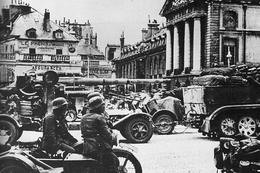 Militaria WW2 - Les Forces Allemandes Occupent Dijon - 1939-45
