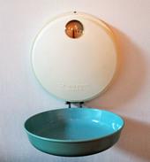 Balance De Ménage Vintage, Années 50' Jupiter 5000 Avec Plateau Creux . Cuisine, Pesage,  Mesure, Poids. - Art Populaire