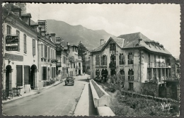 66 - ARGELES - Pyrénées  Orientales Rue Du Maréchal Foch Commerces, Automobile Renault 4 CV - Argeles Sur Mer