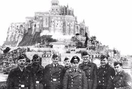 Militaria WW2 - Soldats Allemands Devant Le Mont-Saint-Michel - 1939-45