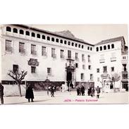 JNTP7831-LFTD9689.Tarjeta Postal De JAEN.Edificios,arboles,personas Y PALACIO EPISCOPAL DE   JAEN - Jaén