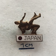 Badge (Pin) ZN004347 - Wrestling Japan Federation / Association / Union - Wrestling