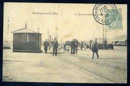 Cpa  Du 62 Boulogne Sur Mer -- Le  Quai De Déchargement    GX51 - Boulogne Sur Mer