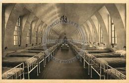/! 6916 - CPA/CPSM - 59 -  Zuydcoote : Le Sanatorium : Dortoir Pour Colonie De Vacances - Altri Comuni