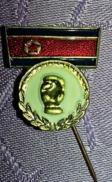 Ancienne épinglette NO Pin's DRAPEAU ET POING COREE DU NORD /communisme  P15+ - Badges