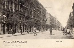 PRAGUE   -  Rue Animee Avec Tramway - Czech Republic