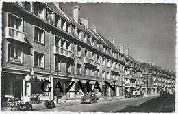 CALAIS  -  ARTAUD -  N°75  - Le Nouveau Immeubles , Rue Royale - Renault  4CV - Calais