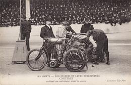 Nos Stayers Et Leur Entraineurs - Contenet Assistant Son Entraineur Avant La Course - Motociclismo