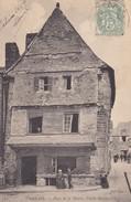 29-----CARHAIX---place De La Mairie,vieille Maison---voir 2 Scans - Carhaix-Plouguer