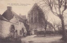 29-----DAOULAS---entrée De L'abbaye Au Fond,porte Romane De L'église--voir 2 Scans - Daoulas