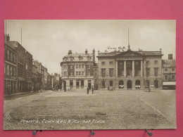 Angleterre - Newark On Trent - Town Hall & Market Place - Excellent état - Scans Recto-verso - Angleterre