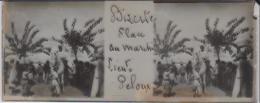 Plaque Verre Stéréoscopique 4,5x 10,5  + Tirage S/papier Brillant 10x25  TUNISIE BIZERTE Place Du Marché  Lieut. PELOUX - Diapositivas De Vidrio