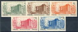Madagascar 1939 Serie N. 209-213 Bastiglia MLH Cat. € 70 - Madagascar (1889-1960)