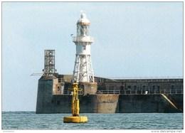 Postcard - Dover Admiralty Pier Lighthouse, Kent. SMH41B - Lighthouses
