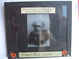 19112016 -  LOT DE 31 PLAQUES DE VISIONNEUSE EN VERRE - AVEC COFFRET BOIS -COLLECTION A. FABRE NÎMES - Glass Slides