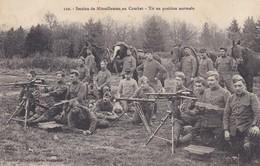 MILITARIA--Section De Mitrailleuses Au Combat-tir En Position Normale---voir 2 Scans - Manoeuvres