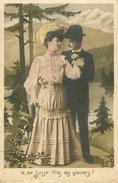 Couples - Couple - Femmes - Chapeaux - Femme Avec Chapeau - En Suisse - Près Des Glaciers ! - 2 Scans - état - Koppels
