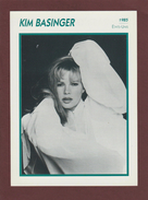 Photo De  KIM BASINGER  De 1985  - ETATS-UNIS  - Biographie Au Dos - Papier Glaçé - Voir Les Scannes Face & Dos - Reproductions
