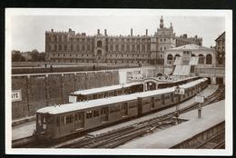 78 CPA SAINT-GERMAIN-EN-LAYE - LE CHATEAU - LA GARE - TRAIN - Stations With Trains