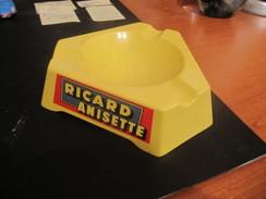 Cendrier Ricard Anisette Triangulaire Serenari Publicité - Cendriers