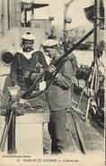 P515-transports -bateaux De Guerre -marine -marins - L Armurier - Le Fusil  - Carte Bon Etat - - Guerre