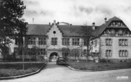 CPSM Dentelée - ERSTEIN (67) - Aspect Du Bâtiment Des Cours Complémentaire Dans Les Années 50 - France