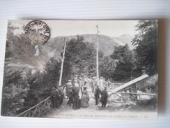 CPA LE MONT-DORE Le Pont Du Funiculaire Au Chemin Du Capucin Tres Animée B.E.1925 - Le Mont Dore