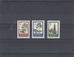 Finlande - Arbres, Neufs**  Année 1967 Y.T. 593/595