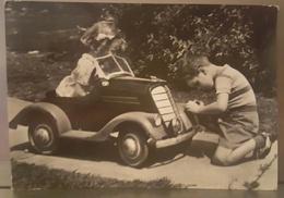 BAMBINI CON AUTOMOBILE - CHILDREN WITH CAR MECHANIC AUGURI - Gruppi Di Bambini & Famiglie