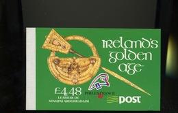 """IRLANDE - CARNET DE PRESTIGE  """"IRELAND'S GOLDEN AGE """" - N° Yvert  686  **"""