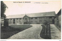 CPA Salle Du Manoir. Gaston Bocquet à Yvetot - Les Jardins - Yvetot