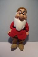 DISNEY  -- BLANCHE NEIGE Et LES 7 NAINS  - ( GRINCHEUX ) -HABITS EN TISSUS - - Disney