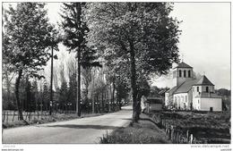 AMBERLOUP ..-- L ' Eglise . 196? Vers BERNIMONT ( Melle Bertha DERMIANCE ) . Voir Verso . - Sainte-Ode