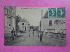 CPA 85 LES ESSARTS PLACE DU BOURG - Les Essarts