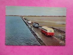 CPA PHOTO 85 NOIRMOUTIER PASSAGE DU GOIS BUS CARS - Noirmoutier
