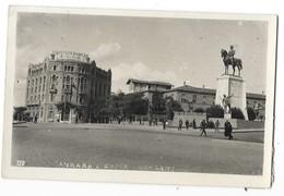 ANKARA (Turquie) Place Statue - Turquie