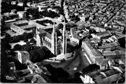 30 NIMES - Vue Aérienne De La Place Des Carmes - Nîmes