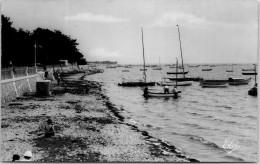 33 ANDERNOS LES BAINS - La Plage Et La Flotille De Petits Bateaux - Andernos-les-Bains