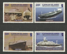 CAYMAN ISLANDS  2004  ANNIVERSARY OF SHIPPING REGISTRY,SHIPS  SET  MNH - Boten