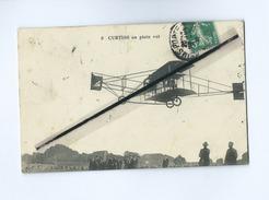 CPA - Avion , Aviation , Aviateur - Curtiss En Plein Vol - Avions