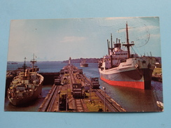 Canal De PANAMA ( Ship City Of Dundee On The Right ) Anno 1980 ( Zie Foto Voor Details ) !! - Panama