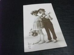 BAMBINE CHILDREN UNA VESTITA DA MARINAIO CON BUSTA - Scenes & Landscapes