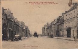 Thematiques 50 Manche Barfleur La Grande Rue La Basse Normandie Pittoresque Hotel Du Phare Ecurie Et Garage - Barfleur