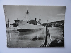 HONFLEUR (Calvados) Vue Sur Le Port.Cargo KAARINA (Finlande) (V.clichés Recto-verso) - Honfleur