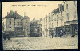 Cpa  Du 49 Doué La Fontaine - Place De L' Hôtel De Ville  NCL40 - Doue La Fontaine