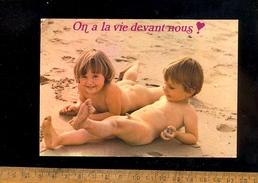 Enfants Garçon Nu Sur La Plage / Nude Sex Boy On The Beach - Children And Family Groups