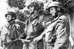 Militaria WW2 - Capitaine B. Priday De La 6ème Airborne Division à Hérouville Le 15 Juin 1944 - 1939-45