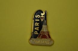 PARIS  Tour Eiffel.signé - Villes