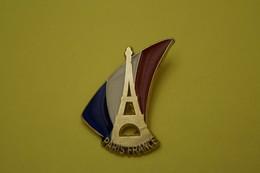 PARIS FRANCE Tour Eiffel.signé Martineau Saumur - Villes