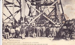 Cpa 33 Bordeaux Bastide Chantiers De La Gironde Personnel Ayant Aidé A Lever La Grande Poutre Du Pont Roulant 1909 - Bordeaux